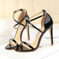 Frauen Hochzeit Schuhe Rote Bottoms Peep-Toe Lackleder Boden High 11 cm Frau Wasserdichte Fersen Kleid Pumps