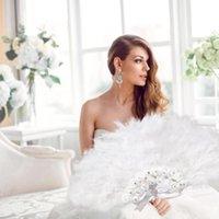 آخر ديكور المنزل المصنع مباشرة مبيعات السيدات الأبيض مطوية تركيا ريشة اليد مروحة الجملة المعجبين اليدوية للرقص الديكور الزفاف
