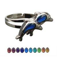 موضة جديدة دافئ المزاج زوجين الإبداعية مزدوجة دولفين اللون تغيير حجم الخاتم قابل للتعديل
