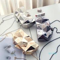 Designer-Mode Geometrische dreidimensionale Metallkette Damen Handtasche Abendtasche Tag Kupplungen Mini Geldbörse Hochzeits-Party-Tasche