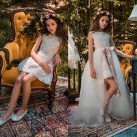 2018 Short Flower Girls Dresses For Weddings With Detachable Train Lace Applique Little Kids First Communion Dress A Line Pageant Gowns Jwch