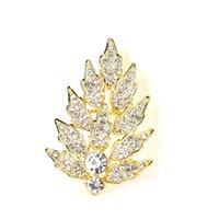 Nueva llegada al por mayor famosa de lujo de lujo cristal bufanda broches hoja diseñador broche pasadores para dama