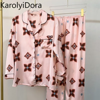 Été Nouveau Pajamas Soie de printemps Femme Section mince Été Simulation Lâche à manches longues en soie en soie à deux pièces SERVICE DE MAISON 210320