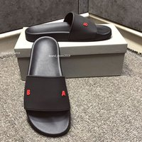 Top Paris Sliders Mens Mulheres Verão Praia Chinelos Sandálias Ladies Flip Flops Outdoor Home Slides Lazer Mocassins Scuffs Shoes com Caixa 36-46