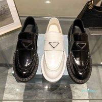 أحدث مصمم فاخر اللباس شقة المرأة عارضة أحذية منخفضة أعلى 100٪ الجلود مشبك معدن أسود أبيض الحجم 35-40 2021