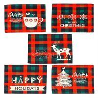 Świąteczne podkładki Czerwone i zielone sprawdzanie Plaid Dining Stół Maty Strona główna Xmas Decoration 44 x 33 cm CS10