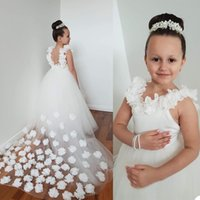 Ivory Flower Girls' Dresses Straps with Handmade Flowers Backless Tulle Train Floor Length A Line Little Girl Birthday Graduation Wedding Party Gown vestidos