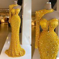 Vestidos de noche de lujo Lentejuelas amarillas brillantes Beads Halter Mangas largas Vestido de fiesta Formal Party Batos Custom Hecho de barrido Robe de Mariée