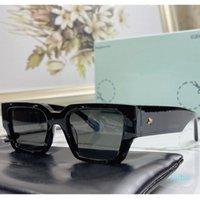 Designer Off Square Sunglasses Omri010 Mens o Donne Trend Fashion Trend Classico Piatto di spessore Telaio nero con lettera bianca Occhiali FF Personalità