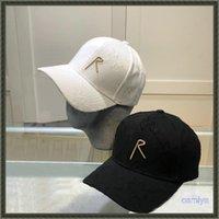 Moda Beyzbol Kapaklar Yaz Kamyon Şoförü Cap Casquette Chapeaux Luxurys Tasarımcılar Kapaklar Şapka Erkek D Harfler Şapkalar Düz Brim Cap Şapkası Delikli
