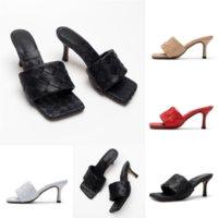 Q6ZGK Düz Plaj Sandalias Yaz Terlik Unisex Sandalet Yeşil Ayakkabı Terlik Renkli Bayanlar Croc Takunya Lüks EVA Tasarımcı Sandles Ayakkabı