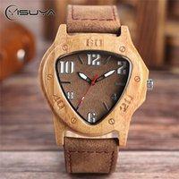 Montres-bracelets Yisuya Men's Creative's Creative Triangle Wood Wood Homme Retro Cool Cool Quartz Véritable Cadeau En Bambo Bois Cadeaux en bois Horloge
