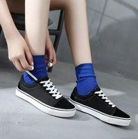 Sapatos de skate branco preto clássico Low-top Mens Womans Canvas Sapata Casual Sneaker Tamanho: 35-45