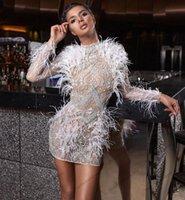 Lüks Boncuklu Kısa Balo Parti Elbiseler Uzun Kollu Artı Boyutu Beyaz Tüyler Robe de Soiree Abiye giyim Dubai için