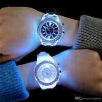 مضيئة الماس ووتش الولايات المتحدة الأمريكية أزياء الاتجاه رجل امرأة الساعات عاشق اللون الصمام هلام السيليكون جنيف شفافة طالب ساعة اليد زوجين هدية