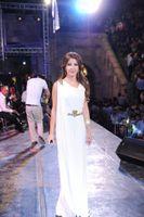 Eine Linie Arabisch Dubai Weiß Chiffon Lange Ballkleider Nancy Ajram Formale Partykleider Schärpen Promi Abendkleider Nach Maß