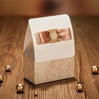 2019 Lüks Düğün Şeker Kutusu Şampanya Rengi Mutlu Düğün Günü Partisi Favor Kutusu 50 adet / grup Düğün Töreni Dekorasyon