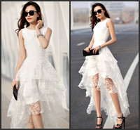 Praia Branco Vestidos De Noiva 2015 Jóia Sem Mangas Hi-Lo Appliue Frisado Zipper Wedding Party Vestidos De Noiva Vestido De Novia Em Camadas Saias SHJ