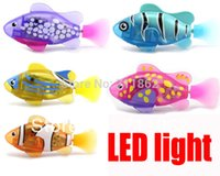 (4 pezzi / lotto) Nuovo romanzo Robofish Electric Toy Robo Fish con led, Emulational Toy Robot Fish