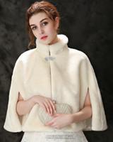 Luxuriöse Straußfeder Brautschal Pelz Wraps Ehe Zuckling Mantel Braut Winter Hochzeit Boleros Jacke Cloak LD0259