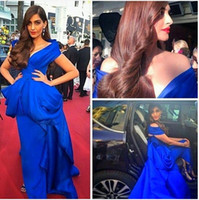 Hot 2015 Royal Blue Notion Vestidos moda celebridade vestido fora do ombro plaffle peplum varrer trem vestido de ocasião especial