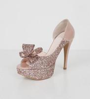 نمط جديد أزياء بالجملة عالية الكعب الأسود الوردي زقزقة اصبع القدم ل العروس منصة العروس أحذية الزفاف