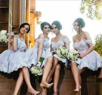 Högkvalitativa Kort Lace Appliques Bridesmaid Dresses 2018 Arabiska Av Axel Maid of Honor Gowns Ball Gown Wedding Guest Nigerian Dress