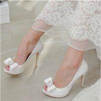 Top qualité cristaux chaussures de mariage 9.5 cm chaussures de mariée à talons hauts sur mesure ivoire / rouge chaussures de femmes du parti pour le mariage