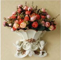 إناء الزهور راتنج الجدار ملاك الجدار الأوروبي-- حماية مع الحافة الذهبية ثلاثة فرع من الزهور الاصطناعية التعادل في sale2015