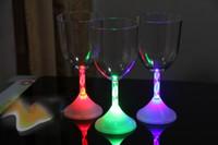 LED Flash Copo De Vinho De Vidro Colorido Mudou Fulgor Copos Goblet Para Bar Festa de Natal Enfeites De Mesa De Casamento Decorações
