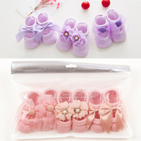 Calcetines de la niña recién nacida delgadas algodón hueco flor calcetines de barco niños niños calcetines de piso de bebé 6 colores encaje arco ropa para niños 1736