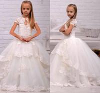 Принцесса цветочница платье белый Слоновой Кости с коротким рукавом многоуровневое аппликация кружева Commuion платья Детские девушки Pegeant платья формальные партии