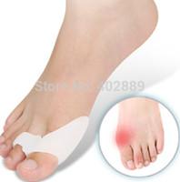 Silicone Gel pé dedos Two Hole Toe Separador Polegar Valgo Protetor Joanete ajustador Hallux Valgus Guarda cuidados com os pés