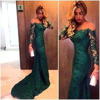 2020 Sexy barato Emeralda Verde Sirena Vestidos de noche Illusion off Hombro Appliques de encaje de hombros Mangas largas Sweep Train Paste de noche de fiesta