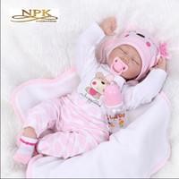 De nieuwste NPK 22 inch schattige siliconen reborn poppen / echte reborn baby's bonecas voor baby speelgoed verjaardagscadeau