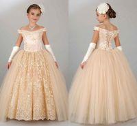 2020 Ucuz Şampanya Prenses Çiçek Kız Elbise Düğün Kapalı Omuz Dantel Tül Puf Partiyesi Çocuklar Için Doğum Günü Kız Pageant Törenlerinde