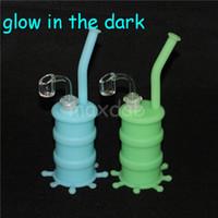 glow in the dark Silicone Barrel Rigs Mini Silicone Rigs Dab Jar Bongs Jar Tubo dell'acqua Silicon Oil Drum Rigs spedizione gratuita DHL