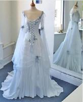 Vestidos de novia medievales coloridos azul claro y pálido Corsé escote redondo Mangas de campana largas Apliques de flores Vestidos de boda celta de la vendimia