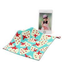 carré serviette fraise essuie-mains de l'école maternelle bébé coton corde crochet gaze propre towelcloth 3 couches 2pcs / lot