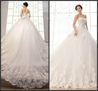 Gorgeous Sweetheart sans manches Robes de mariée Robe de mariée Applique en dentelle Tulle Robes de mariée avec train cathédrale Lace-up Retour Big Wedding Wear