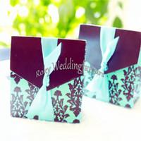 O ENVIO GRATUITO de 50 PCS Damasco Azul Caixas de Bombons Favores Do Casamento Festa de Noivado Doces Titular Decoração Da Tabela Doce Pacote w / FITA