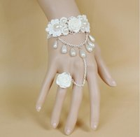 Elegant Bride Handschuhe Brautkleid Zubehör Pearl White Rose-Spitze-Armband-Handschuhe für die Braut Bridesmaid Frauen-Prinzessin-Partei Schmuck