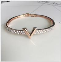 Luxury Letter V Bracciali Bracciale Sainless Acciaio gioielli moda 18 carati oro rosa Luxury Glittering Zircone Diamante Pulseiras Femininas Bolt Bangle