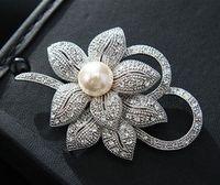 Vintage Look Oro bianco trasparente con strass Crystal Diamante crema perla centro fiore e fiocco da sposa Bouquet spilla