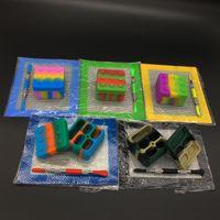 5.51 * 4.52 인치 매트 패드와 실리콘 Dab 도구 키트 3 ml / 15 ml / 22 ml 컨테이너 4 + 1 항아리 왁 스 세트에 대 한 티타늄 Dabber 도구