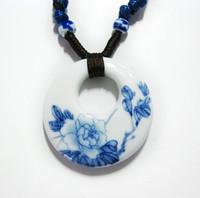 الأزياء والمجوهرات الأبيض والأزرق الخزف السيراميك قلادة للنساء الزهور الصينية الفن اليدوية العرقية قلادة اليشم قلادة الصين الهدايا