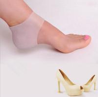 Salto Cobertura de Salto almofada Heel Hidratante Calcanhar Rachaduras Cuidados Com Os pés Ferramenta Protetores Ferramenta Meias Meias de Gel com Pequenos Buracos 1 Par