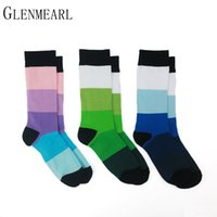 Großhandels- 5 Paare / Los Baumwollmann-Socken-Qualitäts-Marken-Frühlings-Fall-Geschäfts-Kompression Coolmax lustiges gestreiftes buntes glückliches Kleid-männliche Socken