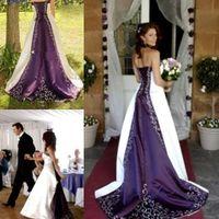 2016 blanco y púrpura vestido de novia apliques delicados País Vestidos de novia rústicos de lujo gótico único vestido sin tirantes vestido de novia