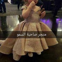 Abiti da spettacolo della bambina dell'oro V Neck Bling Bling Sequins Ball Gown Flower Girls Pageant Abiti da festa per ragazze